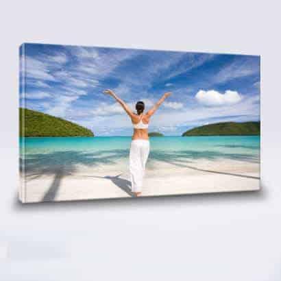 Foto na plátno-Výsledný obraz z fotografie,natiahnuté plátno na drevený ram,ktorý je osadený závesným systémom.Fotoplátno pripravené na zavesenie.Fotoobraz z Vašich fotografií